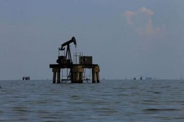 اختلاف در آمریکا نفت را پایین کشید