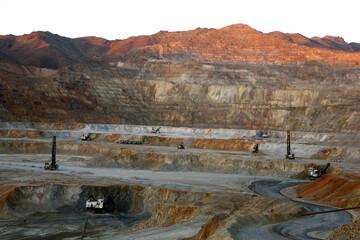 کسب سهم ۴ درصد تولید جهانی روی توسط ایران