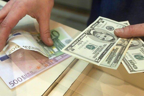 دلار و یورو ارزانتر شد