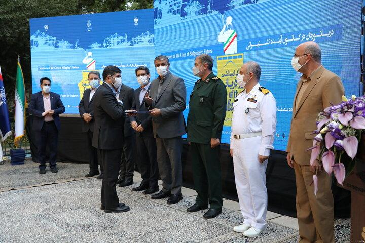 مدیرعامل و دریانوردان نمونه گروه کشتیرانی تقدیر شدند