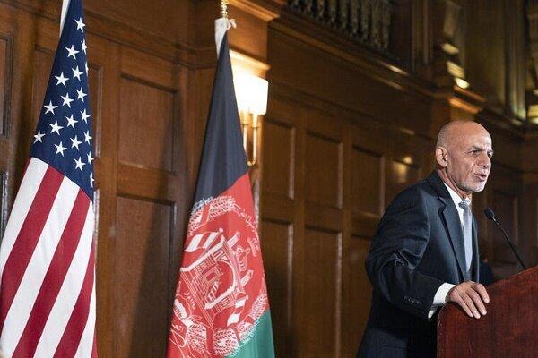 اشرف غنی از افغانستان خارج شد