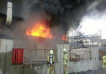 مهار آتش سوزی گسترده در کارخانه لاستیک بارز